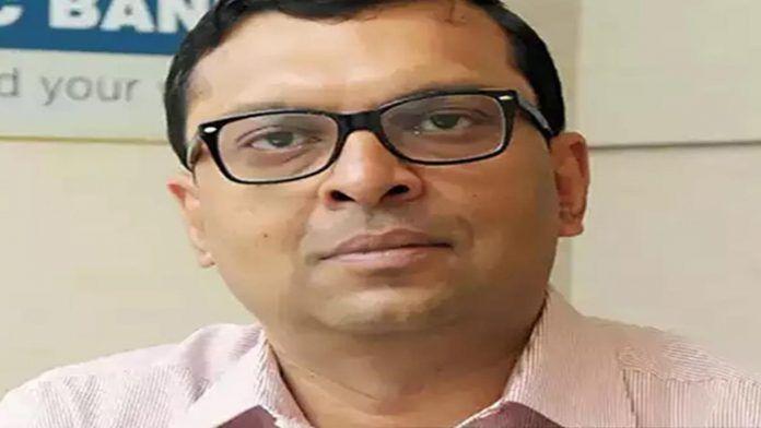 Abheek Barua sanoo, että Intialla on 'Nike-swoosh' -parannus eikä V- tai U-muotoinen